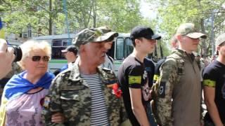 В Николаеве активисты «Национального корпуса» кидаются на людей
