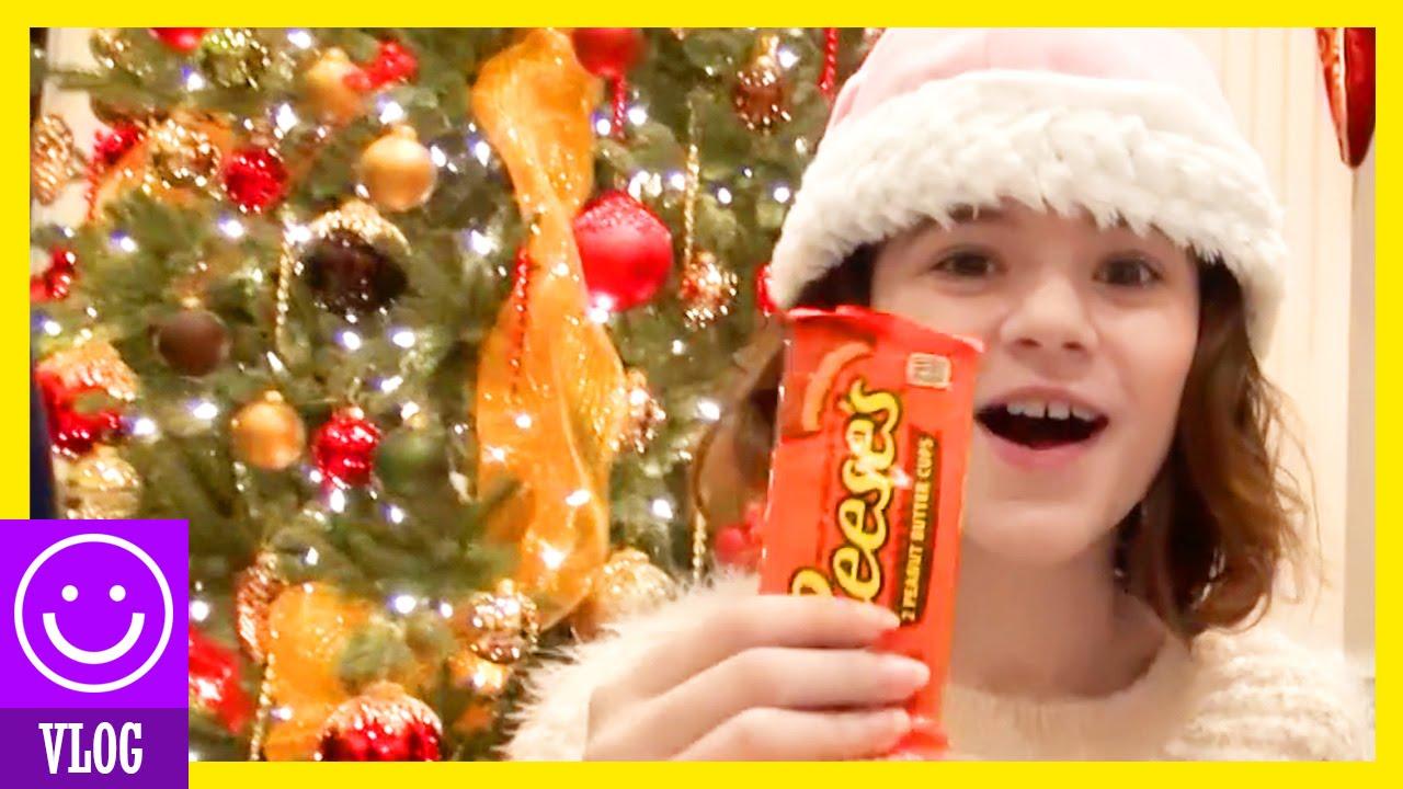 MORE CHRISTMAS ON BOXING DAY!! | KITTIESMAMA - YouTube