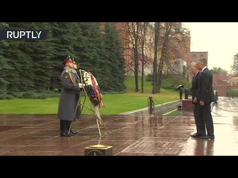 John Bolton and US ambassador Huntsman visit WWII memorial in Moscow