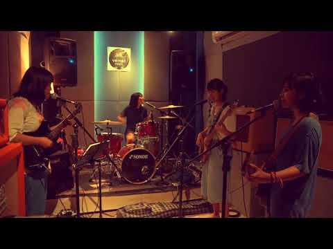 Soal Asmara - Flower Girls (Tribute To Dara Puspita) Rehearsal @velvet_pejaten