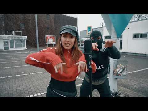 Die Hits von 2018 - Mashup Parodie | Bella ciao,Baller los, Djadja, Capital Bra u.v.m...