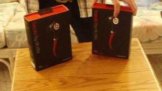 Fake vs. Real - Monster Beats By Dr. Dre in ear tour headphones - PART 1(For a sound comparison of the two see my part 2 video - http://www.youtube.com/watch?v=4BSVPKWS0NE&feature=related I compare two pairs of monster ..., 2010-01-13T01:24:36.000Z)