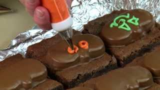 HERSHEY'S Halloween Recipes and Crafts - REESE'S Peanut Butter Pumpkin Brownies