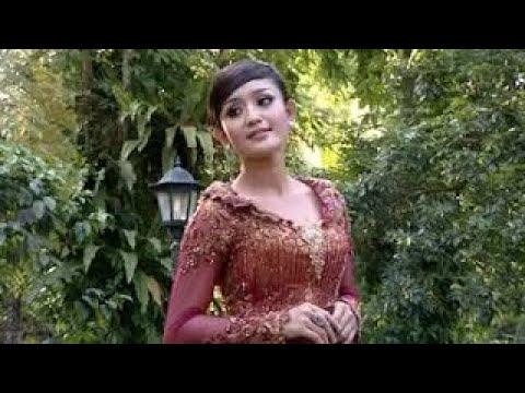 Dian Kusuma - Sepasang Mata Bola (Official Lyric Video)