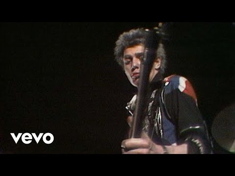 The Clash - White Riot (Live)