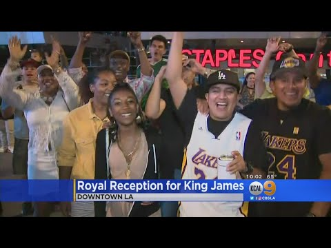 Fans React To LeBron James Joining Lakers