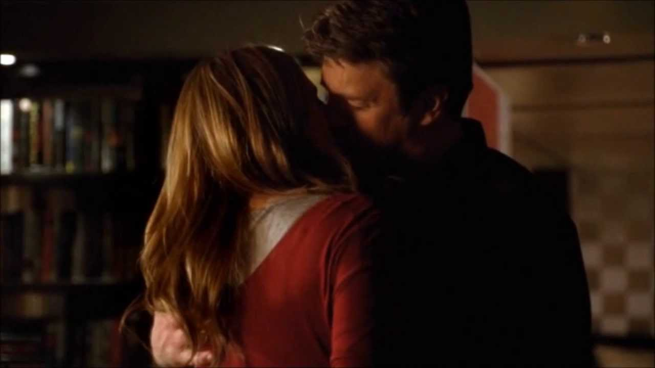 when do castle and beckett reveal their relationship