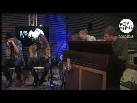Texas Radio, interview en akoestische sessie op showcasefestival  'De IJssel Stroomt Over'.