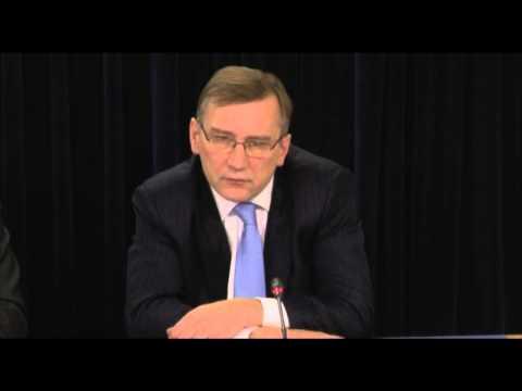 Majandus- ja kommunikatsiooniminister Parts Estonian Airist
