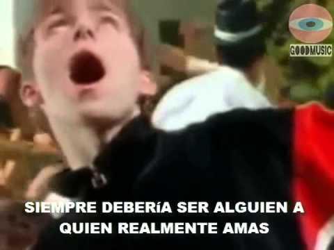 Blur - Girls & Boys (Official Music Video) - Subtitulado en español