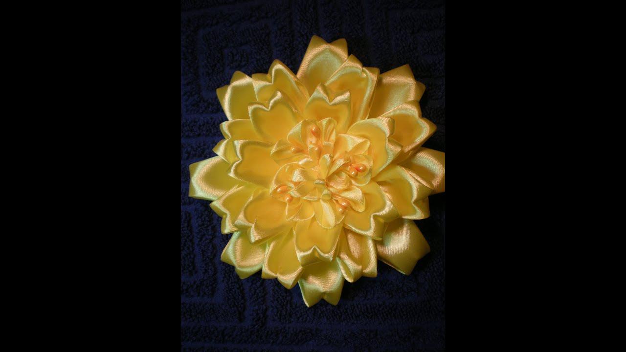 Лепестки цветы из атласных лент