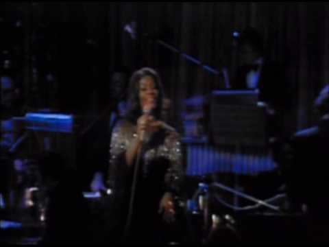 Dionne Warwick - Burn Our Bridges Behind Us [Live In Cabaret 1975]