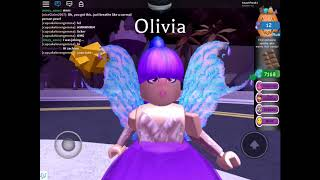 Picking my outfit blindfolded Roblox high school royal hi