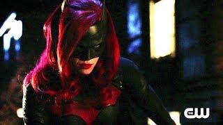 Elseworlds Crossover Sneak Peek #5   Batwoman meets Cisco and Barry Scene