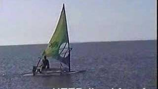 Fabriquer un catamaran - Make a boat with 2 olds sailboards.