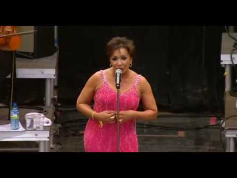 Shirley Bassey Live from Glastonbury 2007