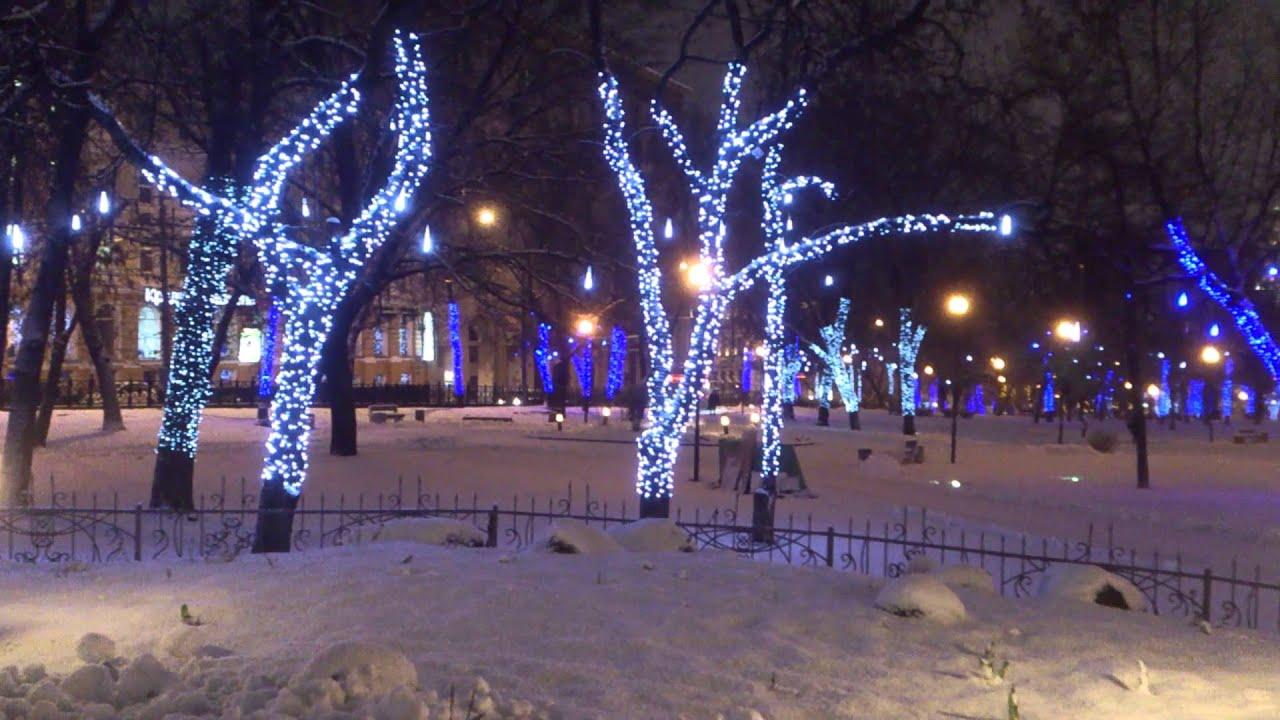 Зимний сорт. Дерево среднего роста, крона округлая или плоско-округлая, густая; ветви в кроне отходят от ствола под углом, близким к прямому, расположены компактно. Плоды правильной формы, одномерные, округлые или округло-конические. Средняя масса плодов – 115 г, максимальная – 136 г.
