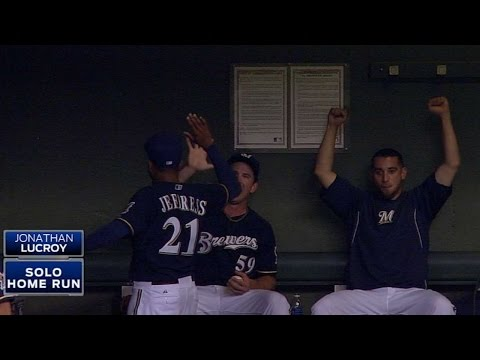 CIN@MIL: Brewers hit four homers, including walk-off