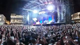 Mika - Love today  End of song + Applause (live in 360, Trieste Piazza Unitá d'Italy 2016)