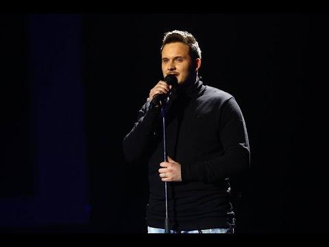 """Queen - """"The show must go on"""". Vezi interpretarea lui Marcel Roșca din a doua gală live X Factor!"""