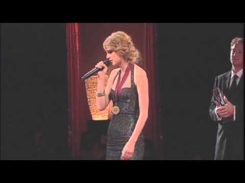 Taylor Swift Accepting Her BMI Country Songwriter of the Year at the 2010 BMICountry Awards