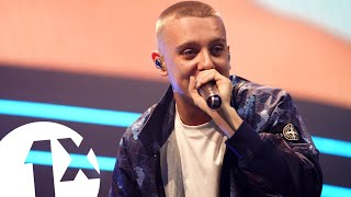 Aitch - Strike a Pose (1Xtra Live 2019) | FLASHING IMAGES