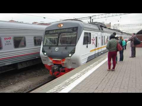 Электропоезд ЭД4М-0445 Москва – Рязань 1 подаётся под посадку