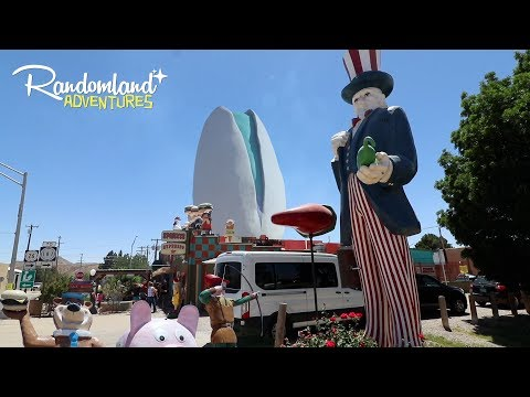 Wackiest Diner in New Mexico! Worlds Largest Pistachio & One of the weirdest graves of all time