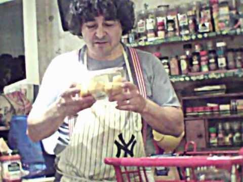 Mike'sOrganic Living, - Shopping Pt.2. Selecting Produce, Berries, more AVI