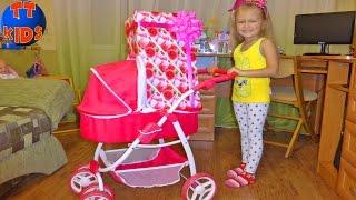 У нас появился малыш - Новая Кукла Играем в дочки матери Видео для детей - Сюрприз для Ярославы