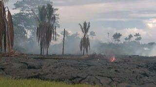 Raw: Lava Near Homes on Hawaii