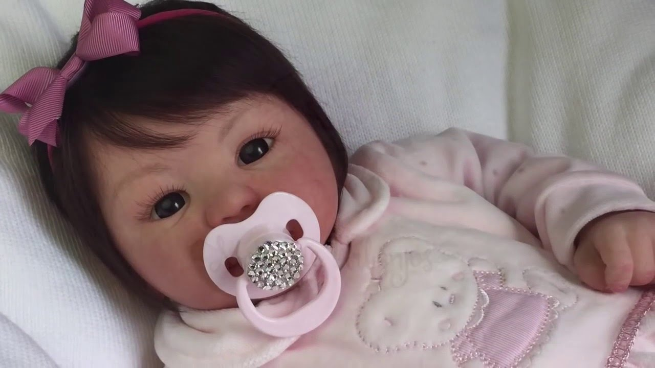 444b02aeec Bebê Reborn - Molde Kylin Monickie Urbanjos - YouTube