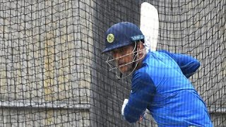 Dhoni makes it look easy in MCG nets