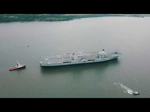 DJI Mavic Pro NEW HMS Queen Elizabeth aircraft carrier