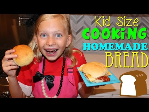 Kid Size Cooking: Homemade Bread - 동영상