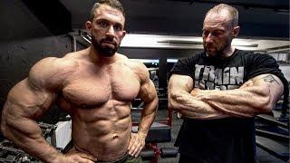 Macht er mich zum Bodybuilding Profi?
