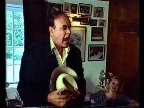 Actor Victor Spinetti visits Brian J Ford in 1990