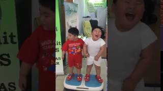 kids dancing on zingat song  sairat movie whatsapp funny video