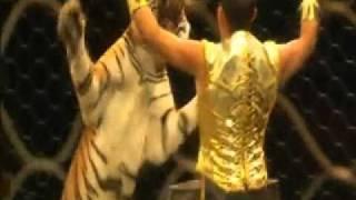 Clara Ruiz - RBBB-  Zing Zang Zoom  circus Show - USA- Opening  music track
