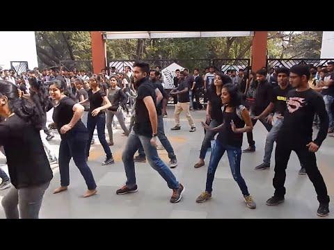 Alacrity 2k17 | Flashmob | AISSMS's IOIT...