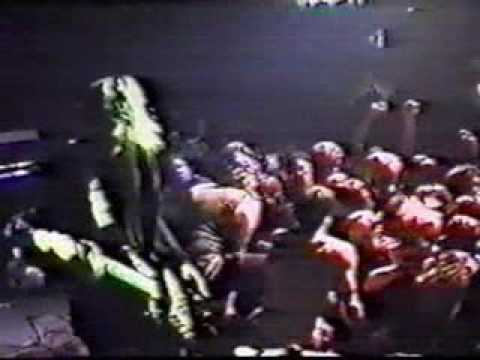 NIRVANA- Love Buzz (Stage Dive+Kurt fighting a bouncer) @ Dallas,TX in The Trees Club on 10/19/91