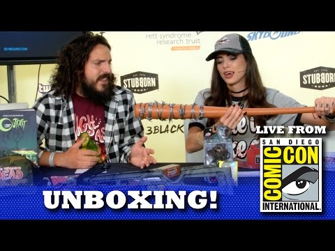 SKYBOUND 2016 EXCLUSIVES UNBOXED! W/ LEEANNA VAMP & MIKE FALZONE!   SAN DIEGO COMIC CON 2016!