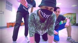 Танец фристайл под РАСА - ВИТАМИН (Танцующий Чувак) Ты моя половина, хапка витамина.