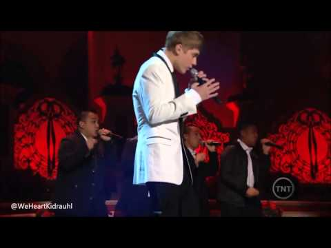 Justin Bieber - Someday At Christmas 2009 | Mistletoe 2011 - Singing for President Obama