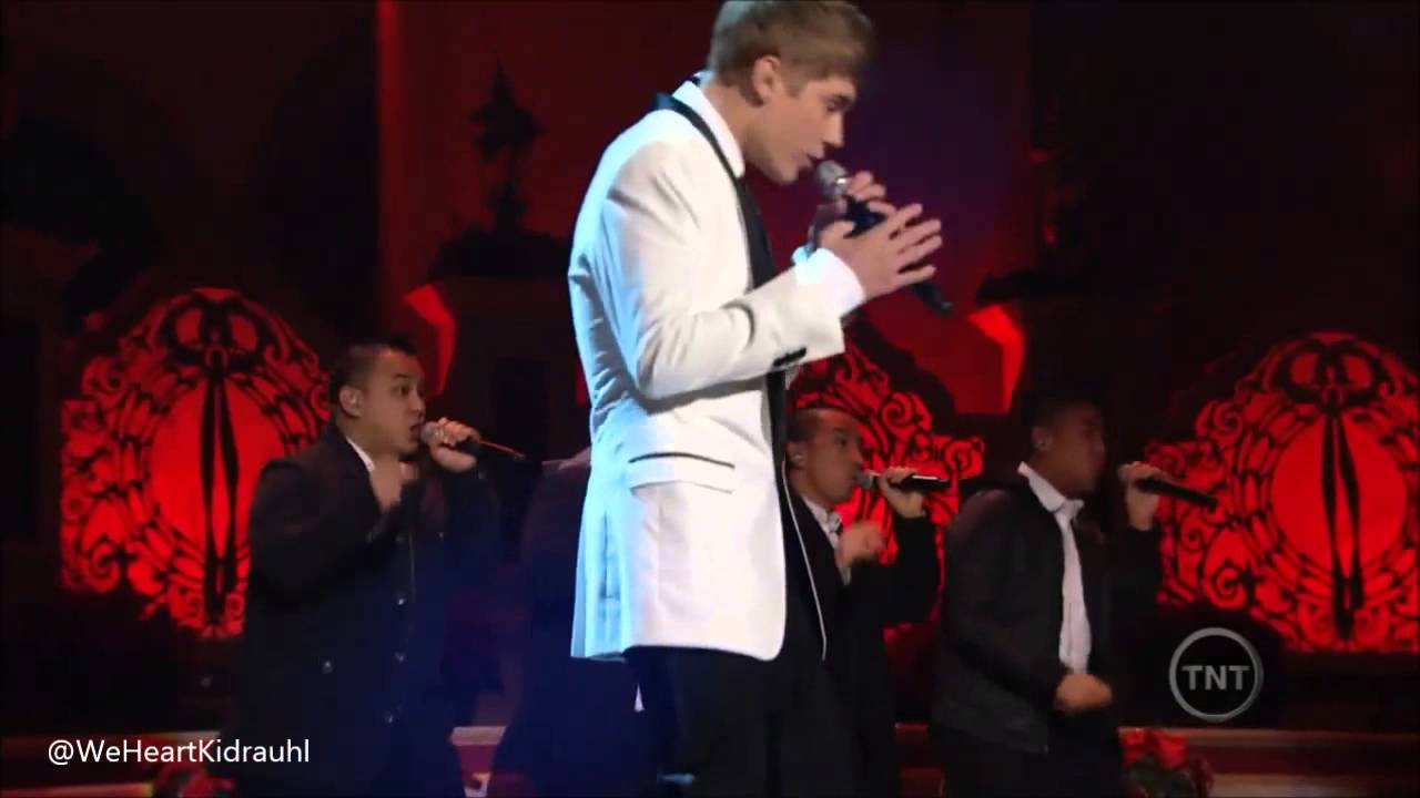 Justin Bieber - Someday At Christmas 2009 | Mistletoe 2011 ...