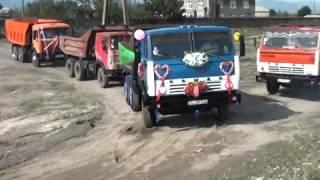 Свадебный кортеж из Камазов