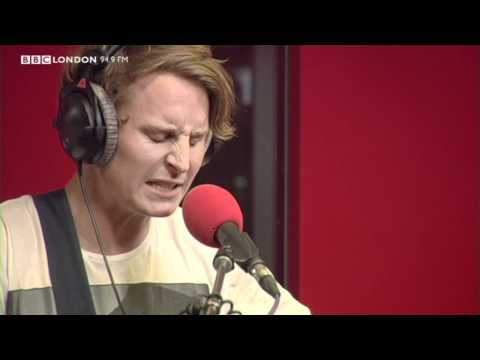 Download mp3 lagu Ben Howard - Keep Your Head Up (Live on the Sunday Night Sessions on BBC London 94.9) 4 share - FreeLagu.Net