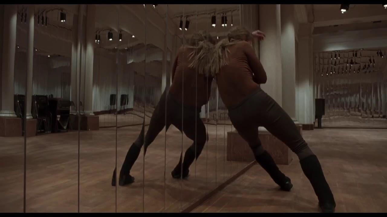סוספיריה (2018) - טריילר מתורגם רשמי - לוקה גוואדניניו, דקוטה ג'ונסון, קלואי גרייס מורץ