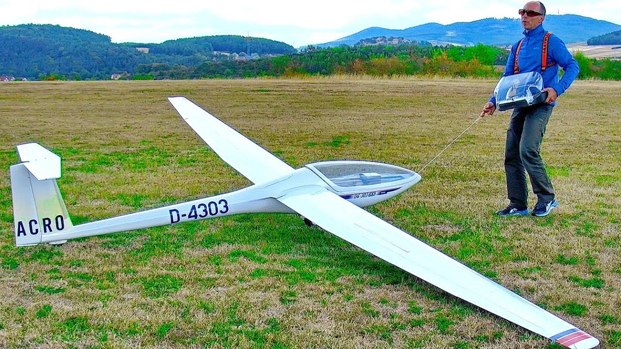 Radio Controlled And Gliding Over >> Stunning Gigantic Xxxl Huge Rc Model Glider With Turbine Engine