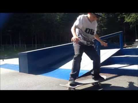 Alexis Busque 8 years old young boy skateboard tricks